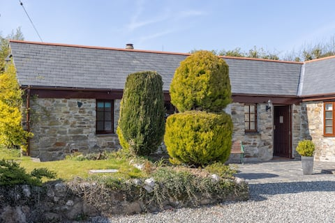1 Bedroom Semi-detached Barn conversion