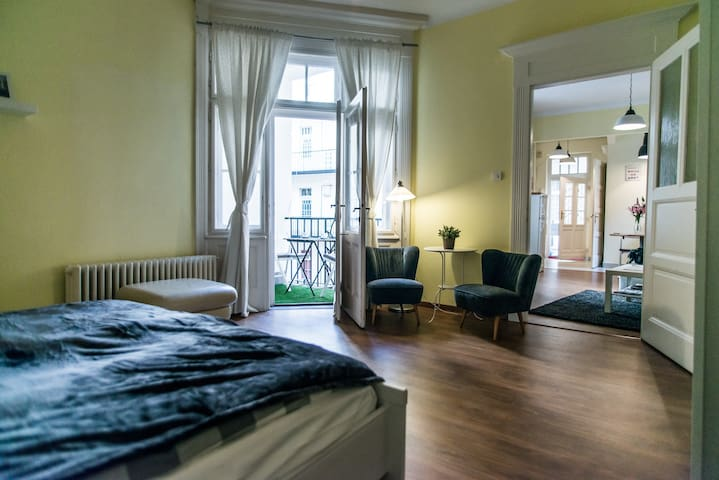 Amazing apartment on calm Buda side