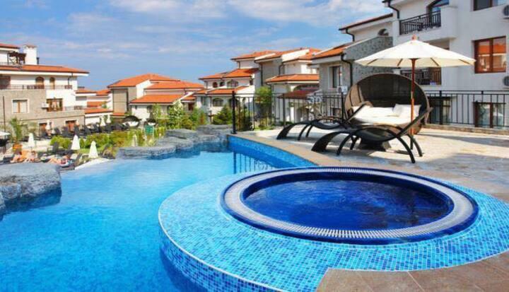 Studio Apartment at 4 Star Vineyards Spa Resort