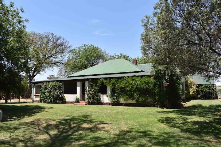 Klipplaats - large, private, family farmhouse