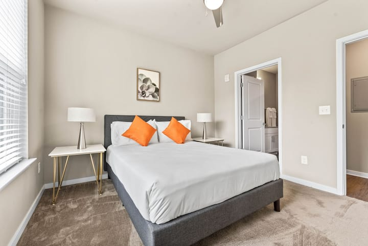StayGia  Baymeadows  Luxury 2BR Suite with Gym