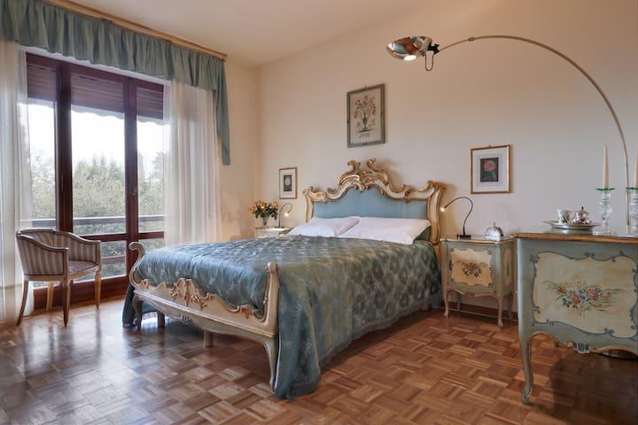 Suite  in villa con parco alle porte di Perugia