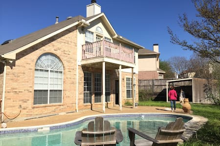 Spacious Texan Villa off Fwy 199/nt - Grand Prairie - Villa