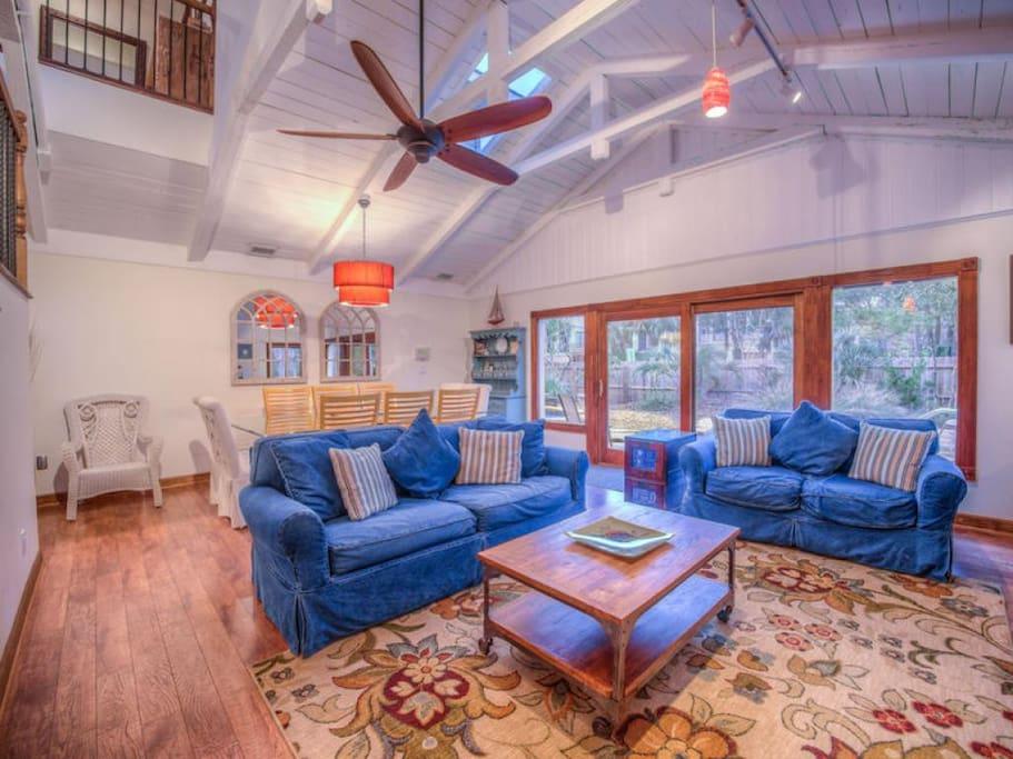 Island Oasis - Living Room