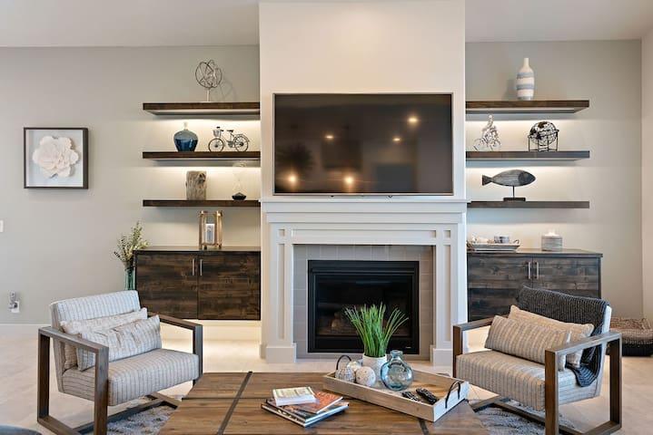 New Listing: Beautiful 5 bedroom/5 bath Villa/Resort pool area - Arcadia #27