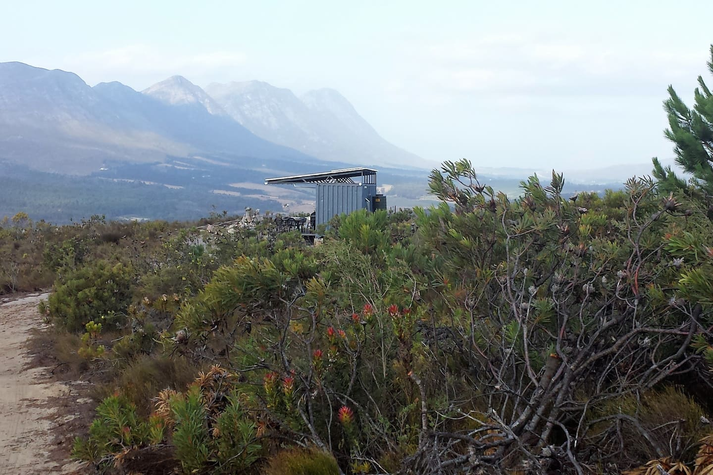 Square Elephant - off-grid, solar power, private and secluded, surrounded by nature.