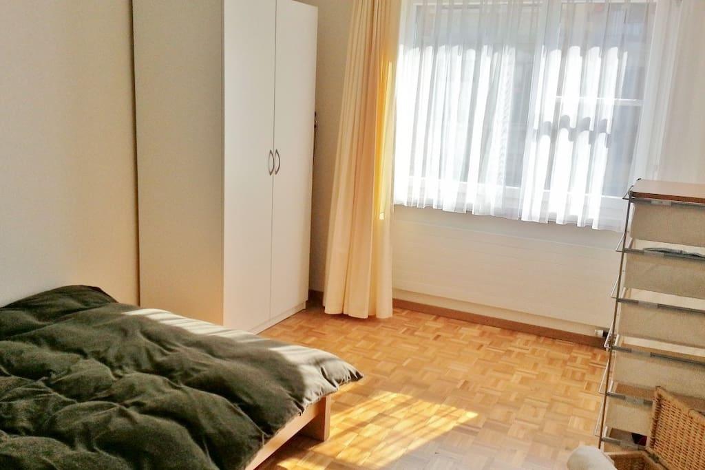 guest's bedroom - lots of sun.