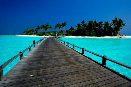 VUE MER - PISCINE - 4 PERS 5 mn d'Orient Bay !!
