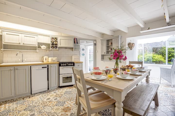 Tabbs Cottage - close to Salcombe and beaches