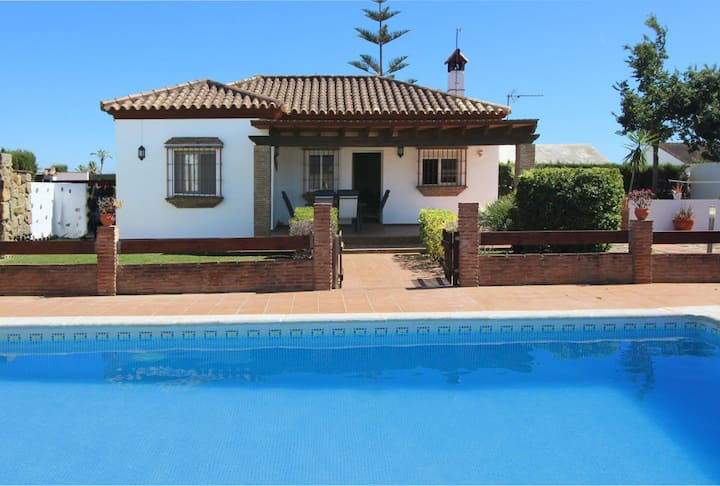 Casa Parramos - Typical andalucian cortijo with big garden and private pool
