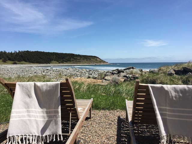 Drifthouse on the beach - East Lawrencetown - Casa