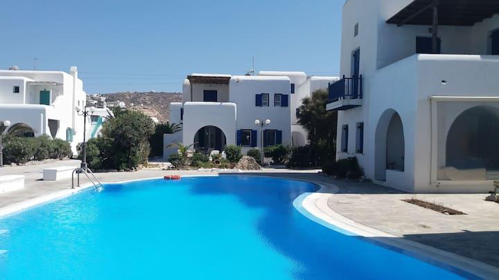 "Mykonos Ornos ""Villa Simelia"" with pool"