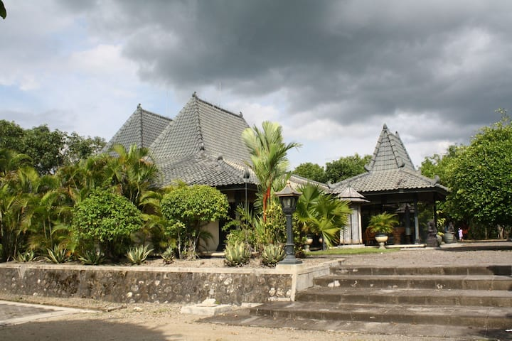 Heritage place of Omah Braga