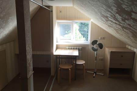 """Гостевой дом """"Уютный отдых"""" room 7 - Gästehaus"""