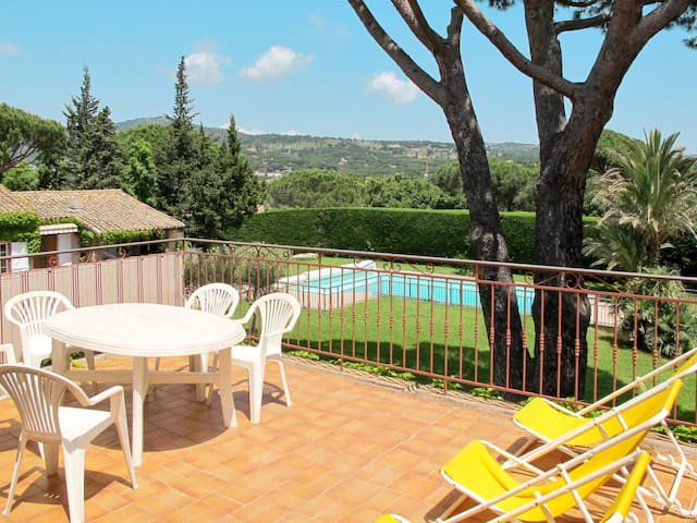 Apartment Resort in Sainte Maxime for 4 persons