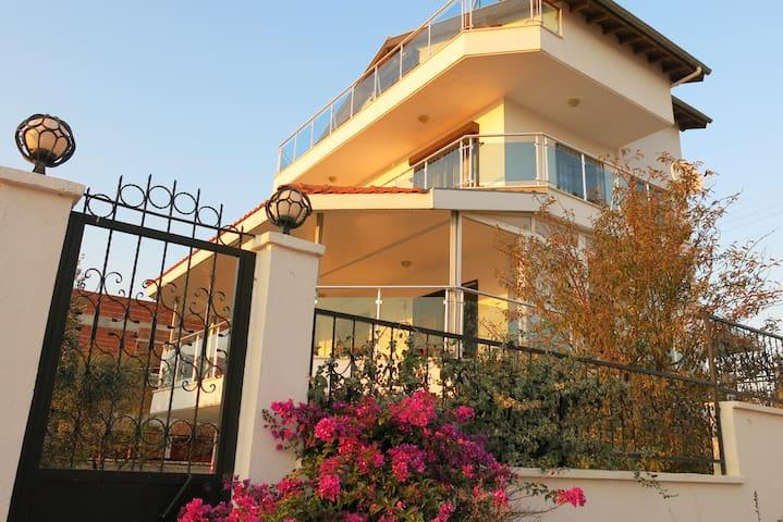 Seferihisar, Akkum - Izmir - Villa