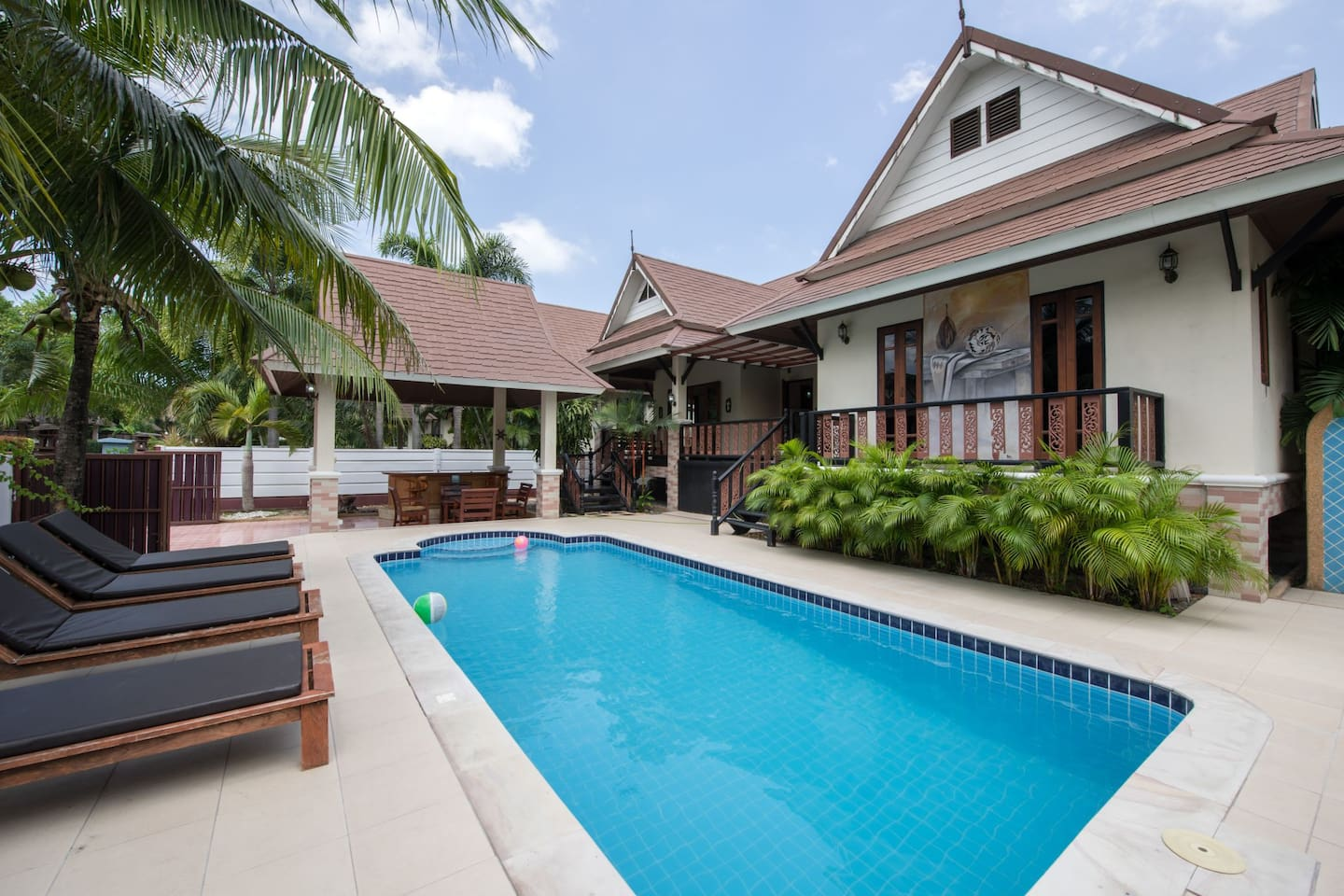 private villa with pool 8×4m land 400sqm living space 160 sqm