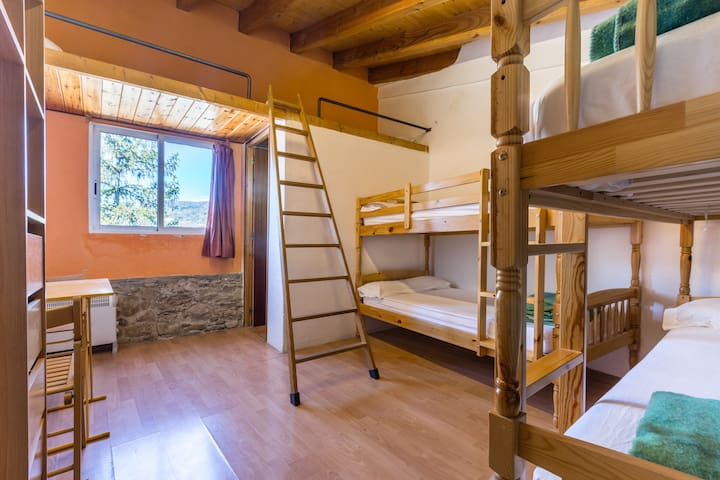 Alberg La Solana - 31 - Quadruple Room (4 - 6 Guests) - Salàs de Pallars - Apartment