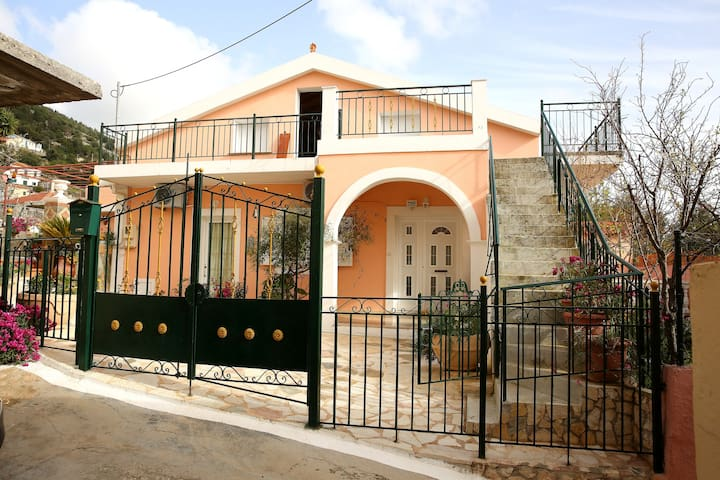 Detached House in Faraklata