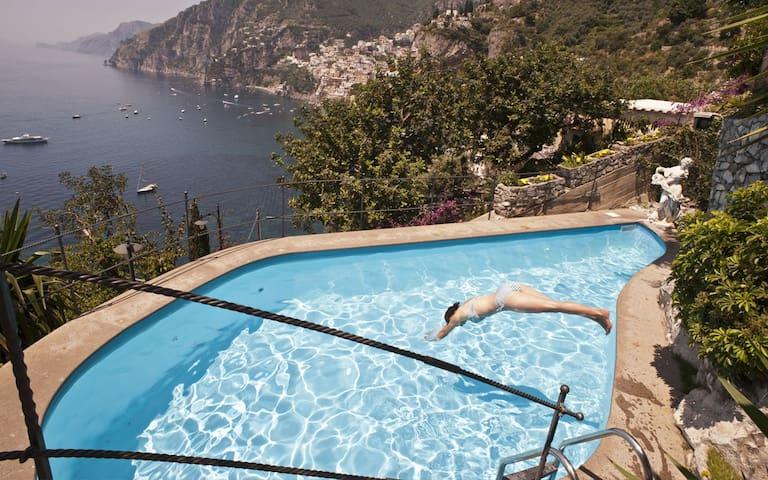 Private sea-view pool in Positano
