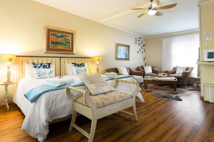 Angelica Garden Suite at Morning Glory Cottages
