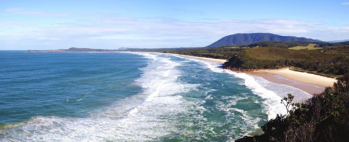 Stunning Deluxe Ocean View Suite - Bonny Hills - Bed & Breakfast