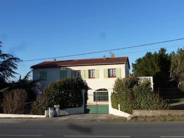 Le Clos Marie , Route des Corbières - Fontiès-d'Aude - Dom