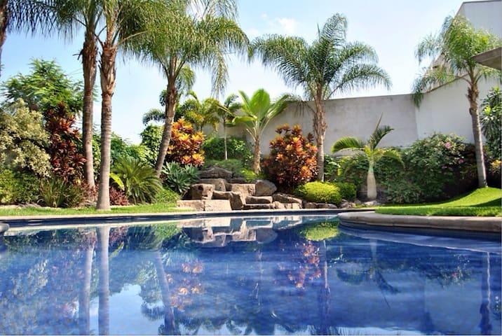 Excelente casa completa con alberca - Xochitepec - Huis