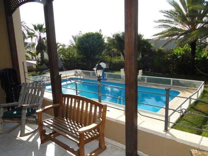 וילה מגורים בריכה פרטית קיסריה Villa Megurim pool