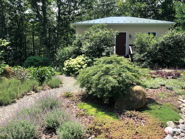 Beautiful, Remodeled Eco Cottage in Afton