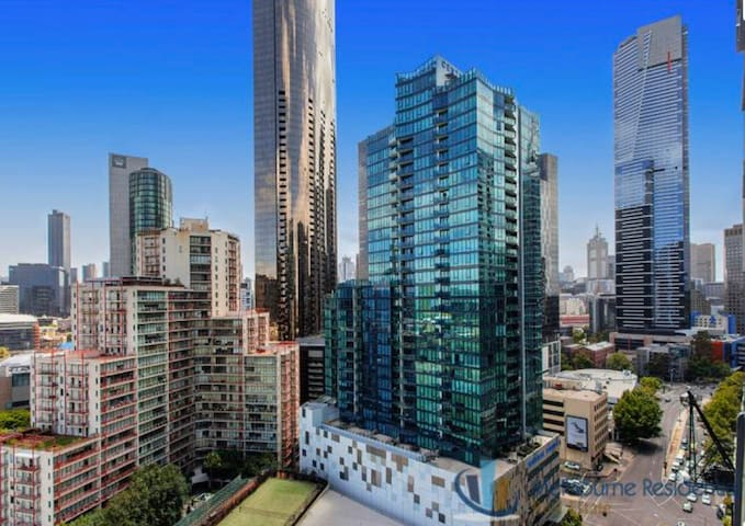 Top Level Penthouse in Southbank