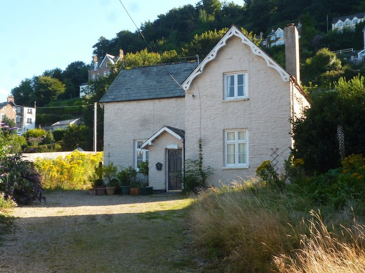 The Old School House - in the centre of Lynton