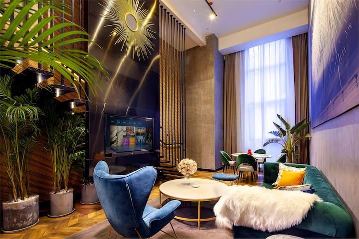 超奢Loft复式大床套房B/解放碑JieFangBei/观音桥GuanYin/九街Jiujie