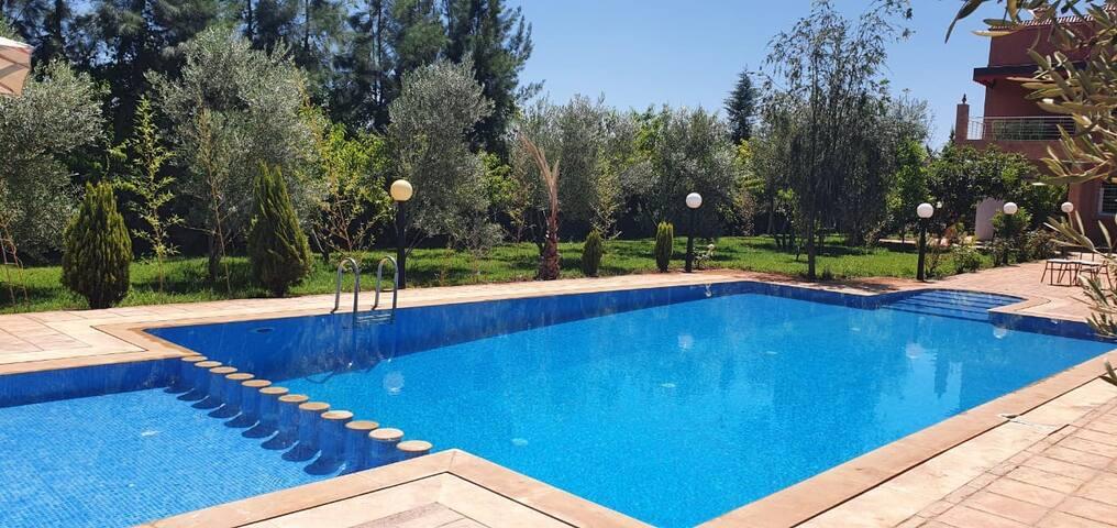 Grande villa  avec piscine privé