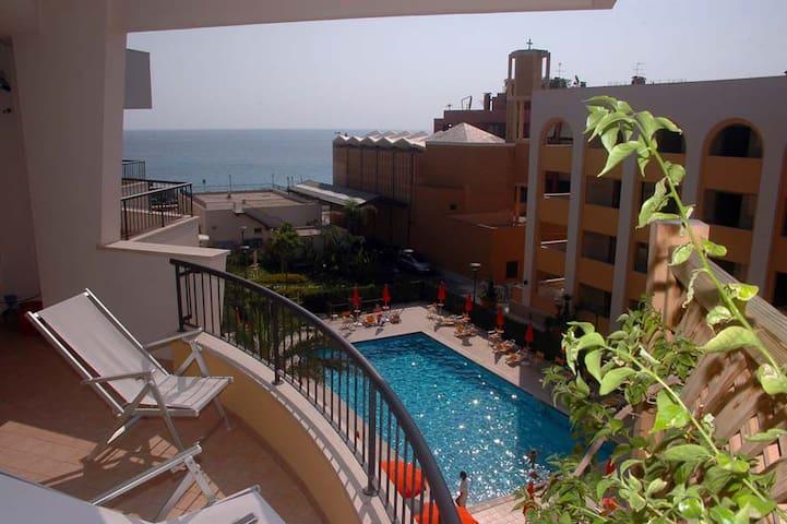 ROSA VIRGINIA-APPARTAMENTO VISTA MARE A GALLIPOLI - Gallipoli - Apartment