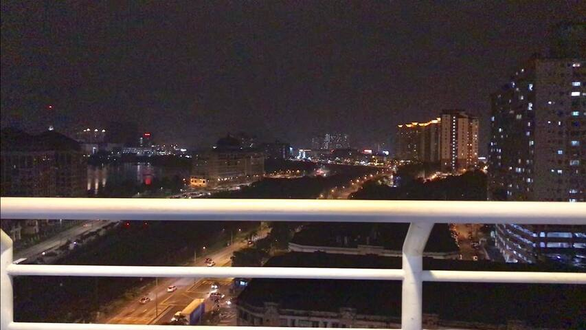 Night View Jungle city @One South garden ( 1-6pax)