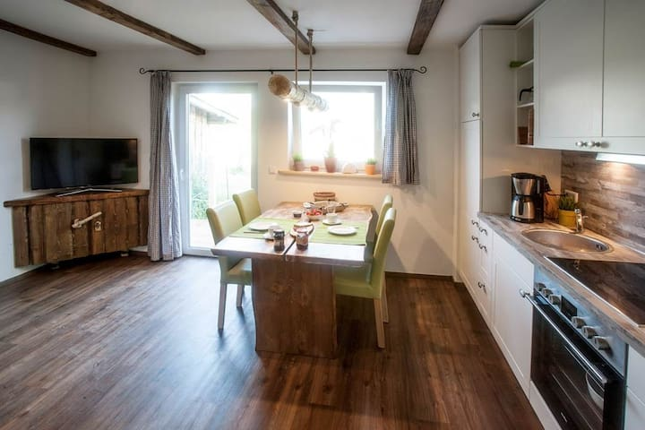 almjodler fewo mit zwei terassen apartments for rent in oberstdorf bayern germany. Black Bedroom Furniture Sets. Home Design Ideas