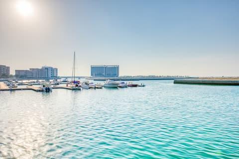 RH-1BR with Lagoon Views, Open Beach & Pool access