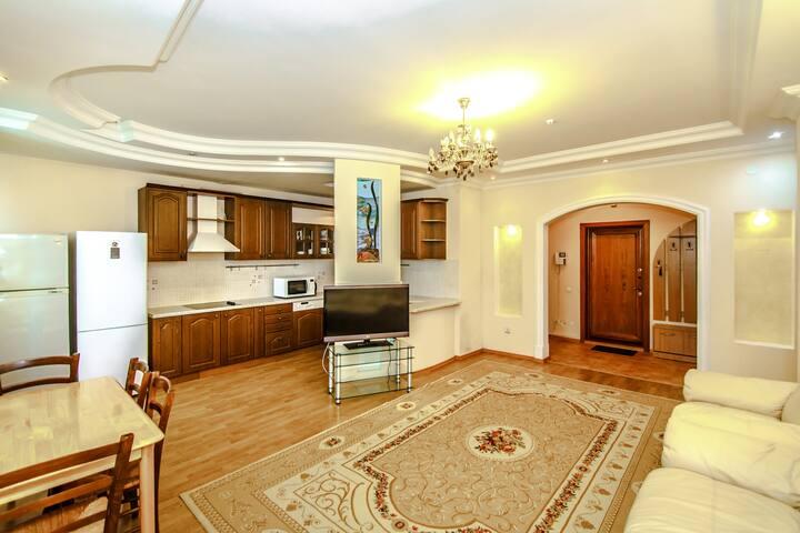 Элегантная квартира в Триумфе Астаны - Astana - Byt