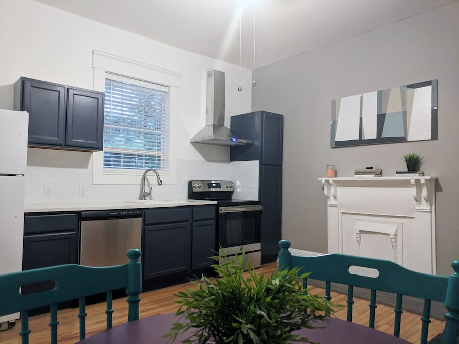 Full kitchen, stainless steel appliances. Ample storage