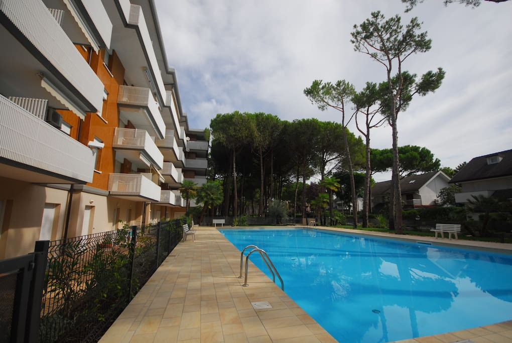 Esterno piscina | Exterior swimming pool