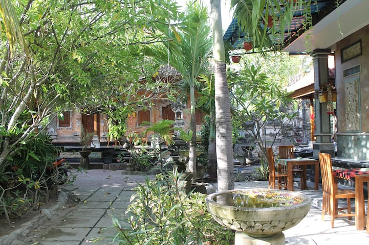 Green Palm Homestay - Nusapenida - 旅舍