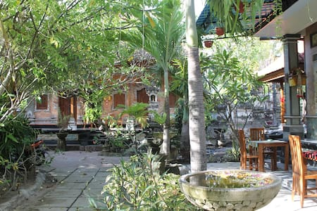 Green Palm Homestay - Nusapenida - Guesthouse
