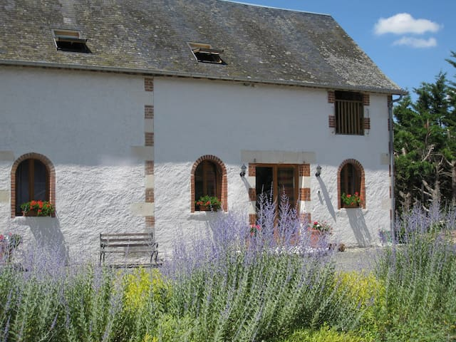 Le Pluvier - luxury gite for 6 with heated pool