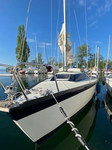 """Im Hafen auf der"""" Constance Lake """""""