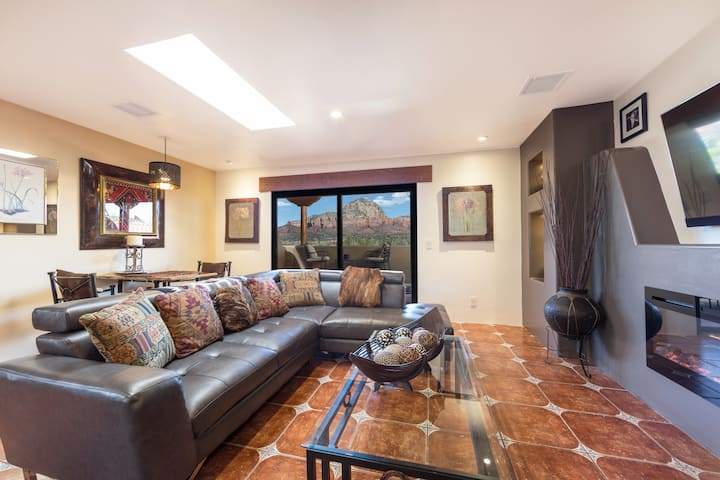 Captivating Red Rock Views, Pvt. 1BR Suite #17