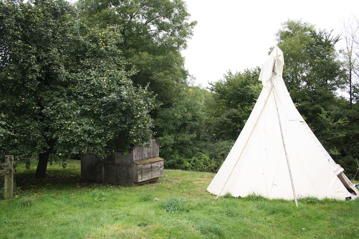 Blissful Tipi - Luxury Wye Valley Glamping