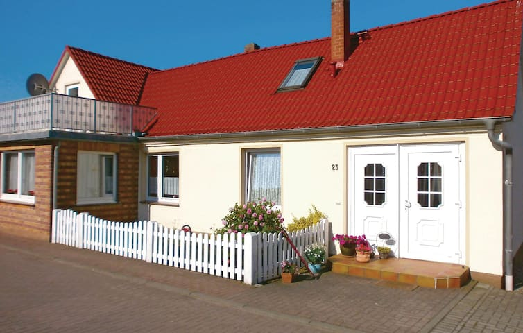 Holiday apartment with 1 bedroom on 38m² in Elmenhorst-Lichtenhag.