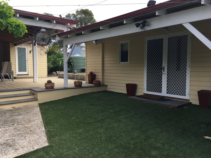 granny flat close to trains and airport