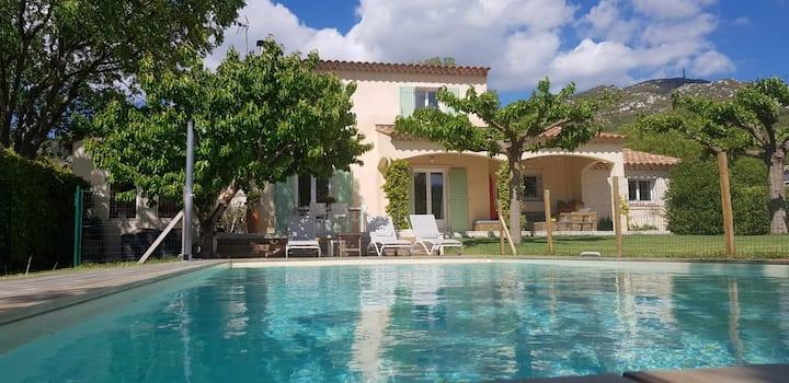 Villa climatisée-village de charme - 15' de Cassis